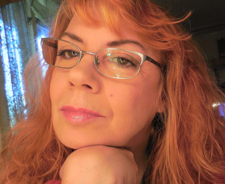webbplats postorderfru rött hår